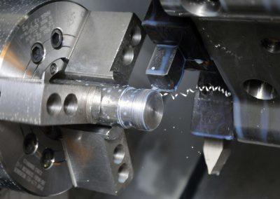 Изработка на детайли от черни и цветни метали за хидравлика